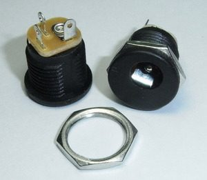 DC Power Jack BLACK 2.1mm Round – Metal Internal Nut (Price is for 1 piece)